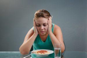 Отсутствие аппетита, сна. Нервные срывы, головная боль