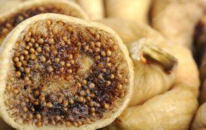 Опасен ли сушеный инжир с черной плесенью?