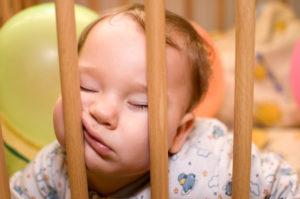 Грудничок тяжело засыпает