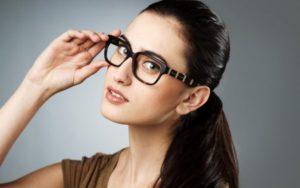 Неудобно носить очки на работе