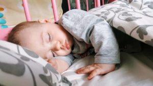 Грудничок плохо беспокойно и мало спит