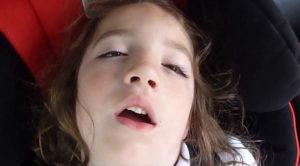 Сплю с открытыми глазами