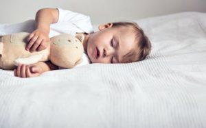 Грудничок не мало спит днем