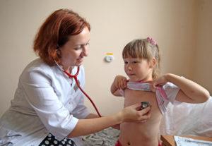 Осмотр детского хирурга