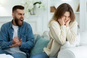 Неадекватное поведение мужа