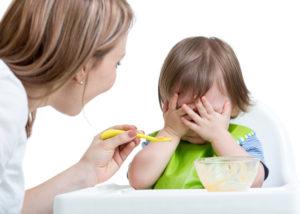 Отказ от еды у ребенка