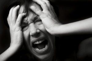 Паника, истерика, слезы каждый день, боязнь